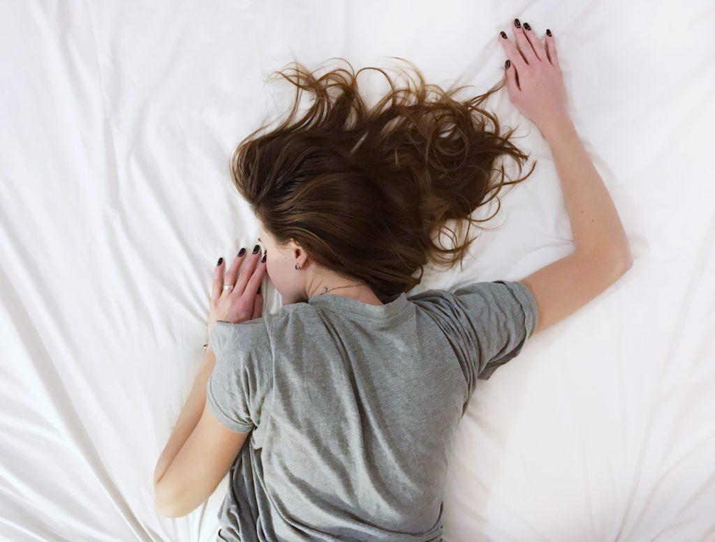 Die beste Schlafposition bei Bandscheibenvorfall