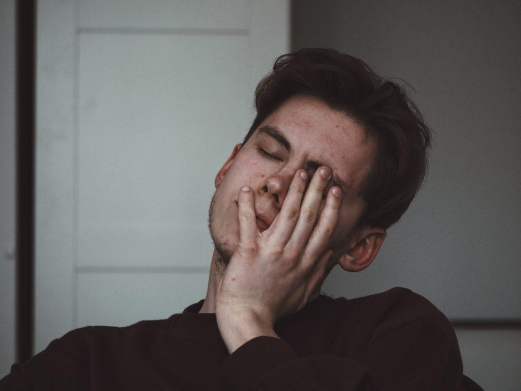 Zähneknirschen - Folgen und Symptome der Erkrankung
